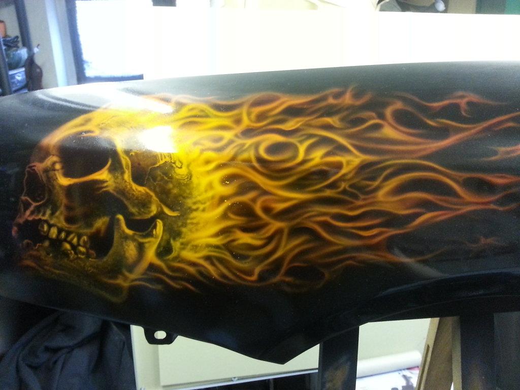 burning-skull-on-fender-001.jpg